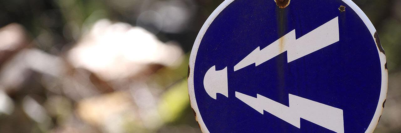 クラクションの正しい使用方法とは?タクシー運転手が知りたい知識