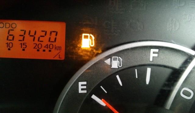 タクシーがガソリンスタンドで見かけない理由!
